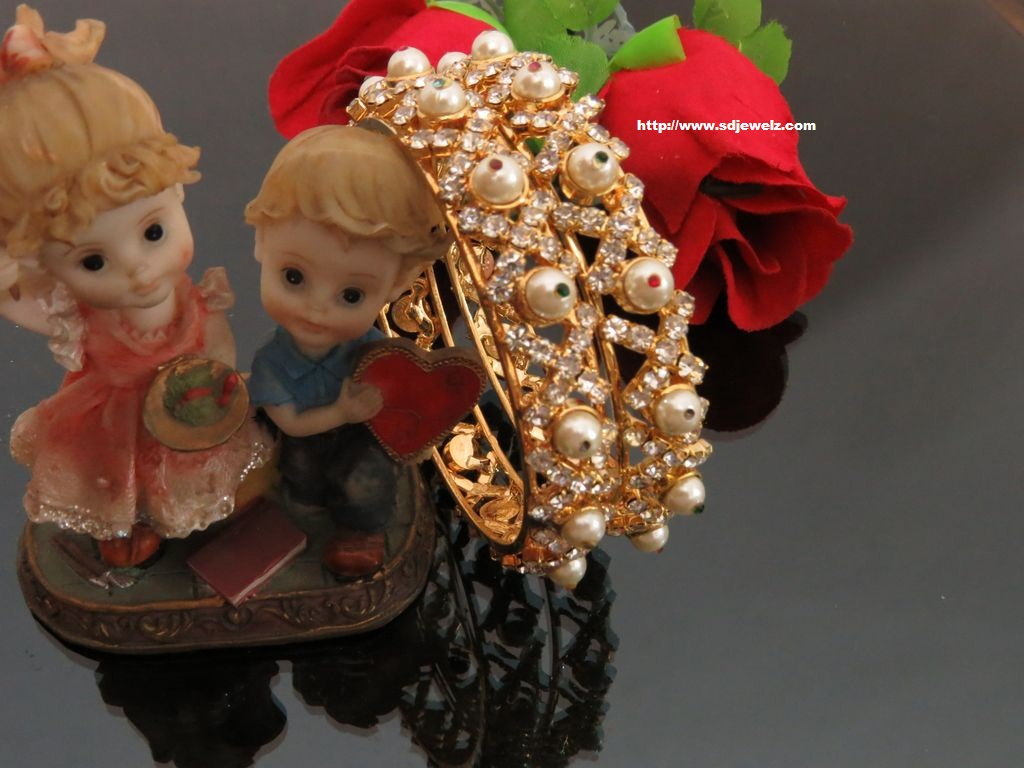traditional gold plated bangles set
