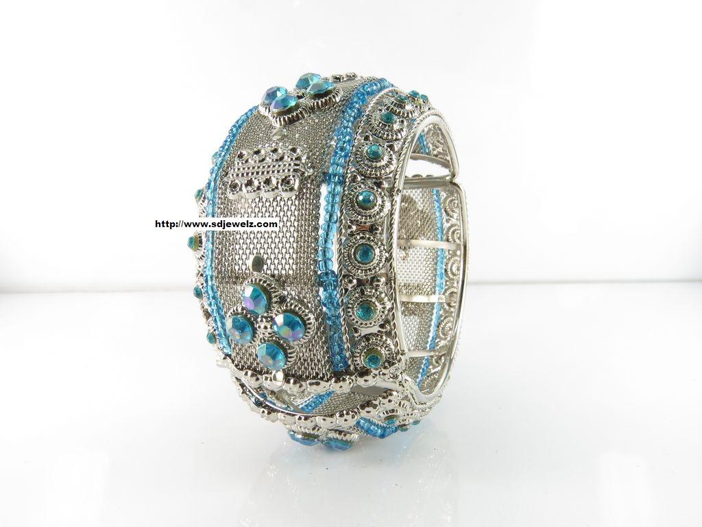 metallic bangle set